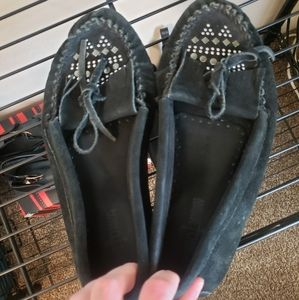 Minnetonka Fringe Moccasins with Studs Womens 8.5